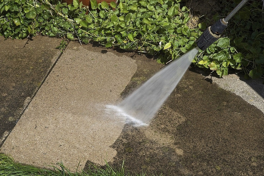 10-Best-Commercial-Pressure-Washer