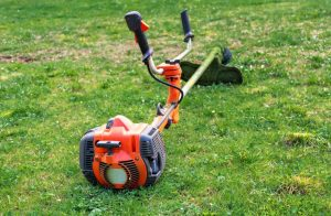 10 Best Commercial String Trimmers Reviews